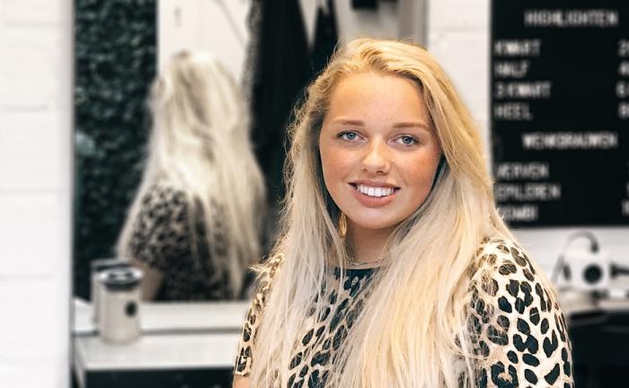 """Noelle (18): """"Je kan niet vroeg genoeg beginnen met ondernemen"""""""